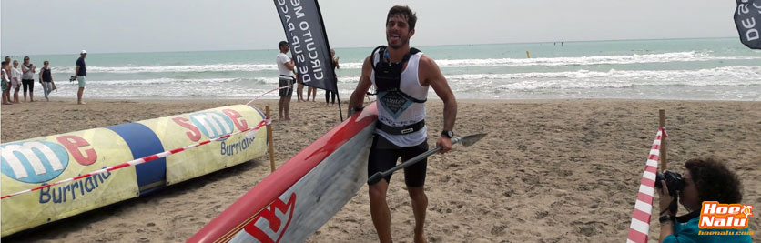 Pablo pertenece al Club Paddle Surf Burriana