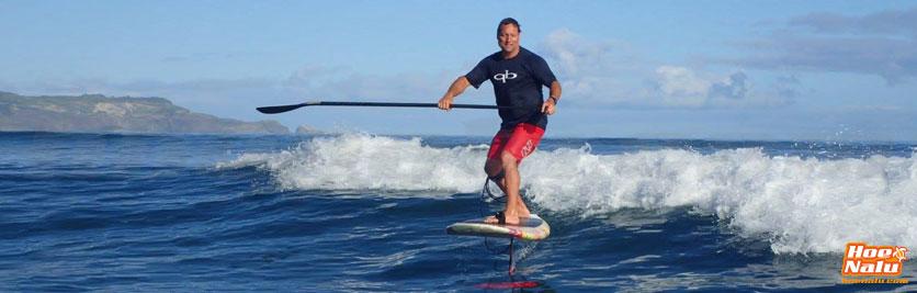 Dave Kalama practicando SUP foil