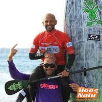 Festejos de la Deep Family en el Campeonato de Stand Up Surf 2013 en Doñinos