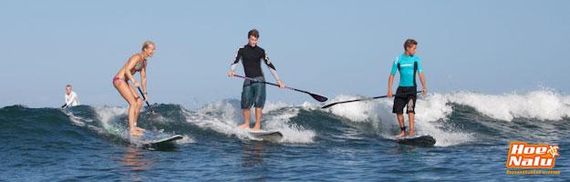 Practicar un SUP Surf Responsable compartiendo en el agua